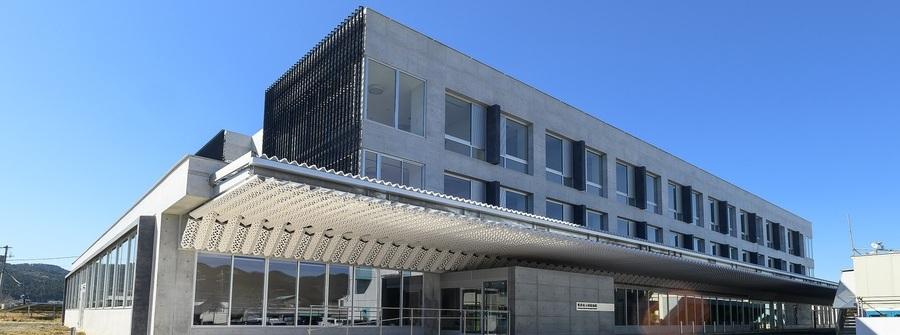 鴨川市立国保病院は、内科・小児科・整形外科・歯科・耳鼻科・皮膚科・眼科・泌尿器科・リハビリ・訪問診療・在宅診療を標榜している公立病院です。